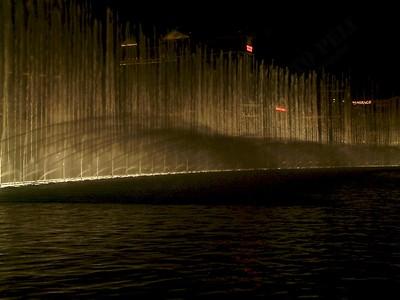 Las Vegas - Giochi d'acqua del Bellagio 2004-03-08 at 06-15-56