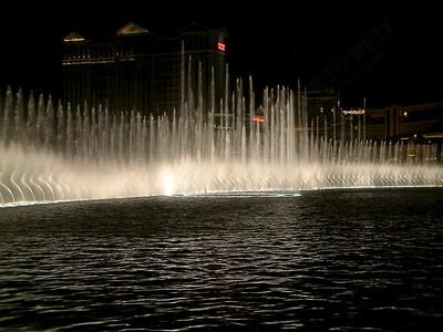 Las Vegas - Giochi d'acqua del Bellagio 2004-03-08 at 06-17-30