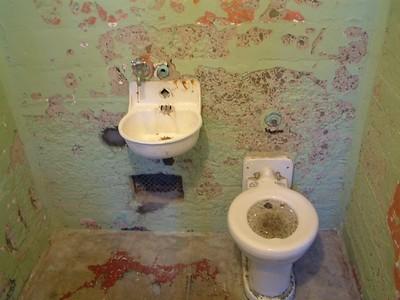 Alcatraz - ... e i suoi servizi 2004-03-02 at 19-57-23