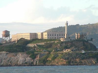Alcatraz - La potenza del teleobiettivo 2004-03-02 at 02-27-00