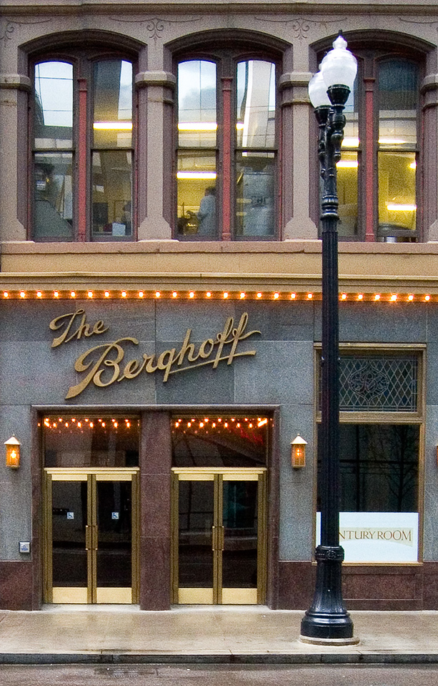 Famous former restaurant in Chicago.  Used to eat lunch there everytime I was in the city; great german food and atmosphere. Closed as a restaurant but still operates as a catering service.