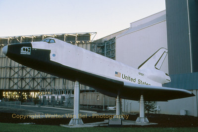 NASA_Space-Shuttle_wind-tunel-model_Moffett_Ames_Nov-1997_scan_WVB_1200px
