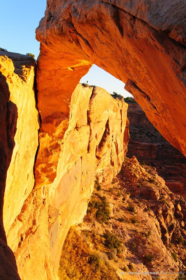 Mesa Arch - Why it glows