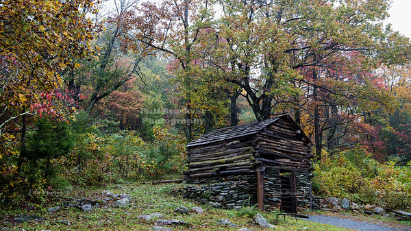 Blue Ridge Parkway, Milepost 5.9, Outdoor Museum at the Humpback Rocks Visitor Center