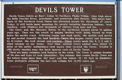 Way marker on Wyoming route 24 explaining the history of Devils Tower