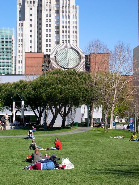 Buena Vista park med SFMONA, museet for moderne kunst i baggrunden