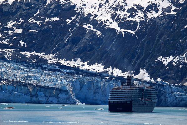 Cruise ship near Lamplugh Glacier