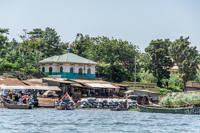 View of life on the Nile from the boat ride from Jinja.