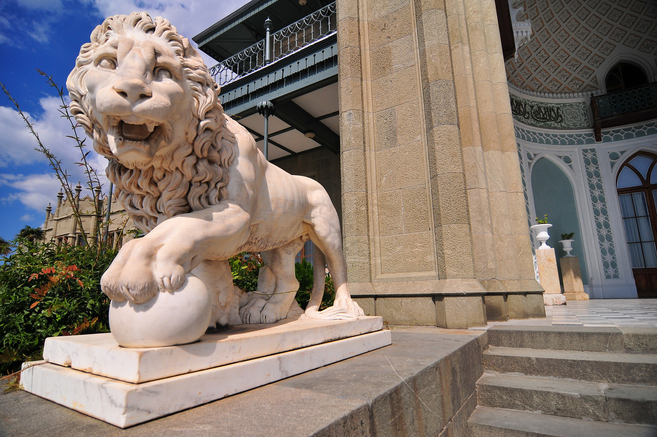 Sculpture of the Medici Lion on the southern facade of the Vorontsov Palace, Alupka, Crimea, Ukraine.
