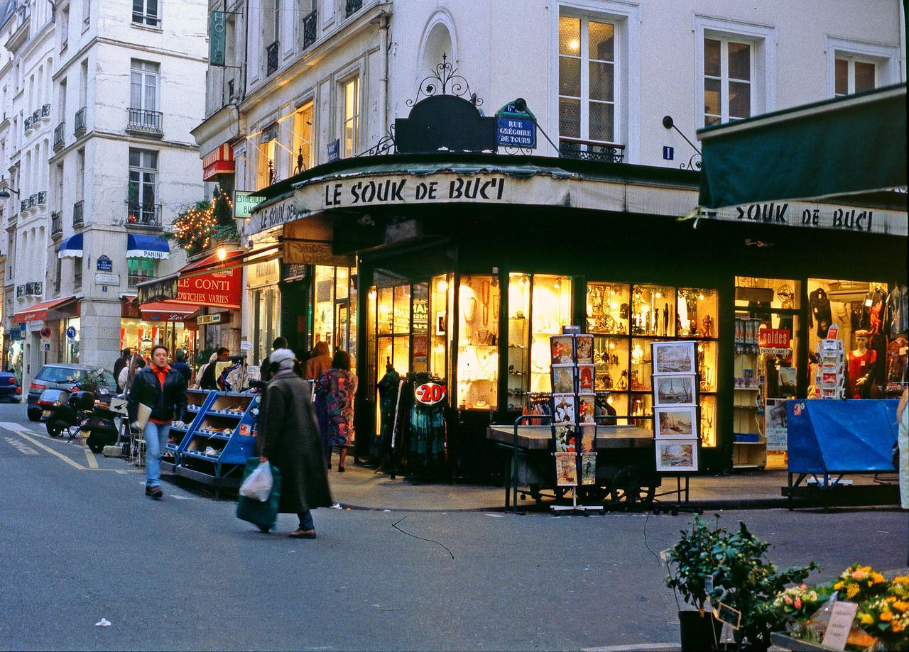 Rue St André des Arts
