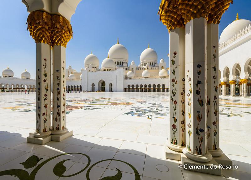 Courtyard of Sheikh Zayed Grand Mosque, Abu Dhabi, UAE