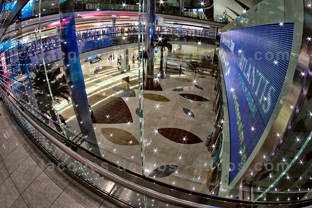 Dubai International Airport<br /> <br /> Duty Free Above the arrival hall...