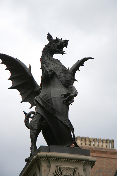 Dragon statue at the Temple Bar barrier marking the westernmost end of London.