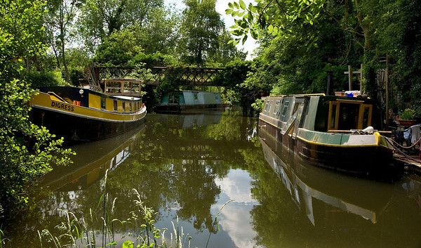 Grand Union Canal near Rickmansworth, 30km from the centre of London - a quiet spur.