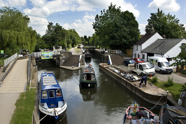 Grand Union Canal near Rickmansworth, 30km from the centre of London - Batchworth Lock.