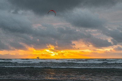 Sunset Kiteboarding Westward Ho !