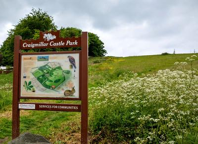Sign to Craigmillar Castle Park