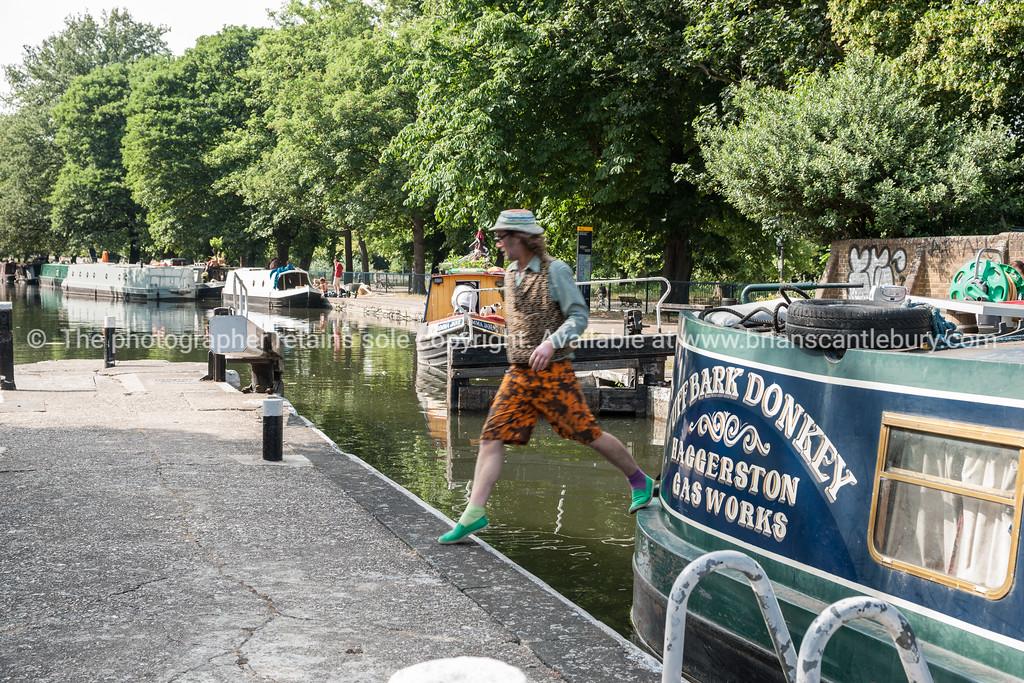 Regent's Canal, narrow boats.