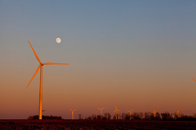 Moonrise Over Wind Farm Western Minnesota Sunset_4349