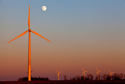 Moonrise Over Wind Farm Western Minnesota Sunset_4348