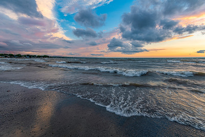 Pastel Colors On Lake Erie At Dusk
