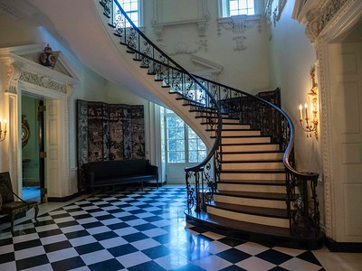 Swan House floating staircase