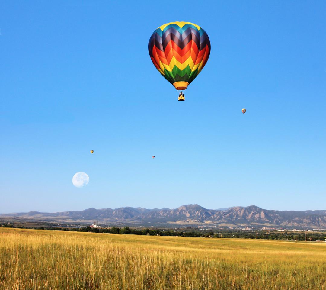 ballon over rockies