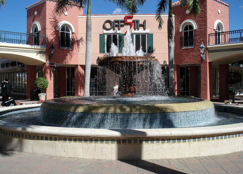 Miromar Outlets Mall