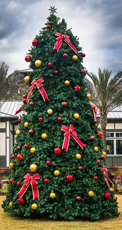 RiverClub Christmas Tree