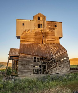 Graineries die too...this old guy is barely standing