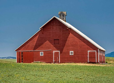Red barn...againg pretty well
