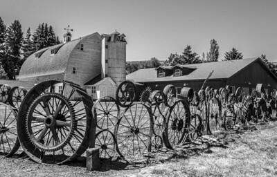 Damen Barn and wheel fence: Union Town