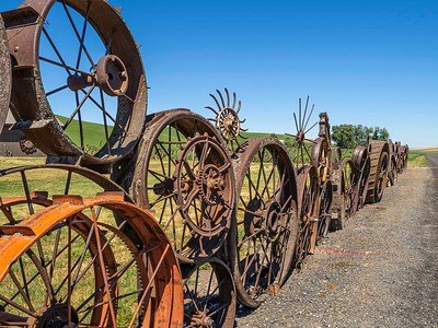 Union Town: wheel fence