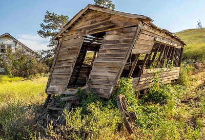 Home and shed: ruins