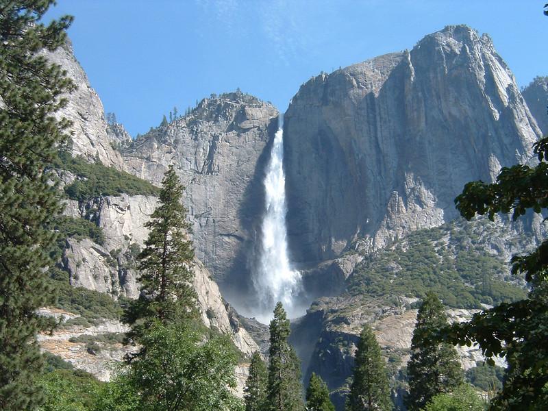 IMAGE: https://photos.smugmug.com/Travel/United-States/US-West-Coast/California-2012/CA-2012-Day-09/i-jC3zDCq/0/2672124a/L/Yosemite02%206-2006%20001-L.jpg