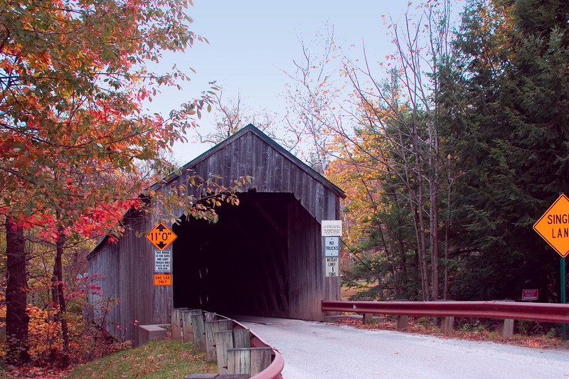 <p>Kingsley Covered Bridge<p> <p> After making a circle and heading back toward Rutland, we pass through Clarendon. Off SR 103, we encounter the Kinglsey Covered Bridge, built in 1836, 120 ft. long, town lattice design.</p>