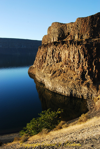 Columner basalt cliffs on the shores of Banks Lake, Washington