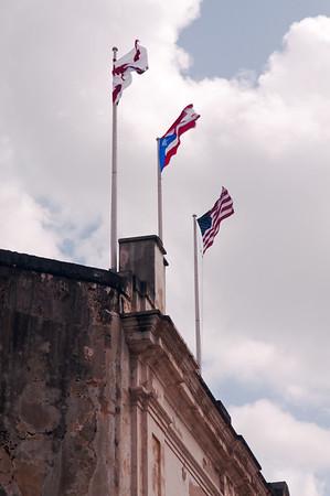 The Three Flags, Castillo de San Cristóbal