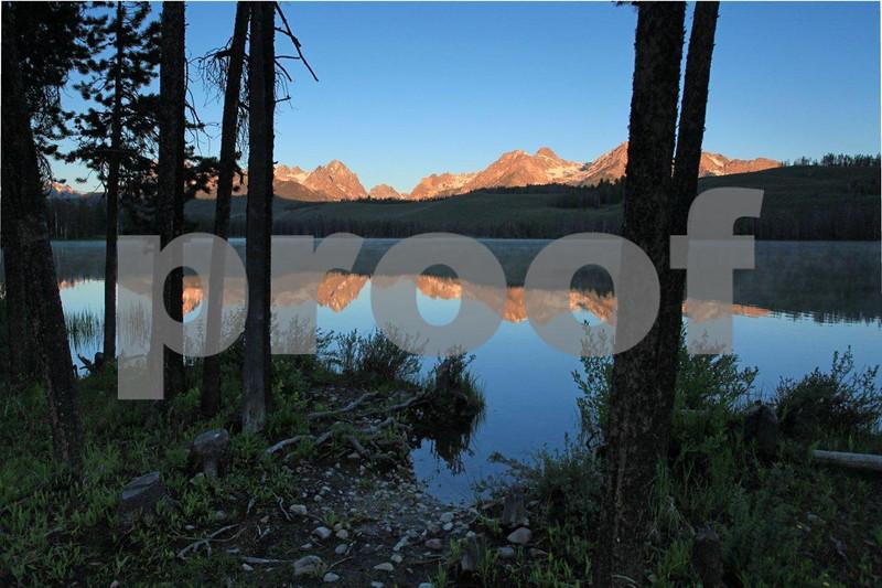 Sawtooth Mountains Little Redfish Lake 1570