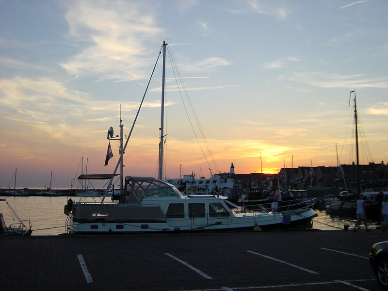 Harbour on Urk. The place to eat fish!!!