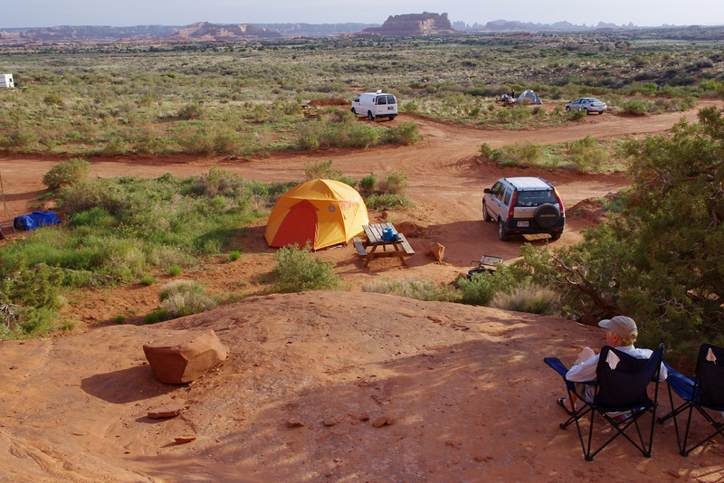 The Squaw Flat Campground in Canyonlands National Park (Needles District) is first come, first served - and it fills up every day in May. Rather than wasting vacation time hanging around the campground waiting for someone to leave, we decided to stay at the Needles Outpost, a private campground just outside the entrance to the Needles District of Canyonlands National Park, Utah.