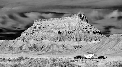 Oct 27-Nov.10, 2018, 2018 - Utah  2 week trip to Moab/Arches/Canyonlands/Monument Valley/Capitol Reef/Escalante/Bryce   Friday 11/2 Glenn Canyon area and along Route 24 Sunset at Capitol Reef Resort  Photographer- Robert Altman Post-production- Robert Altman