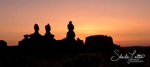 The three patriots sunrise in Goblin Valley