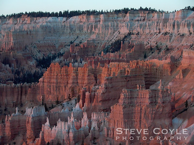 Sunrise in Bryce Canyon.