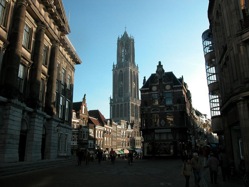 Shot of the Dom in Utrecht. Building on my left is the municipality building.