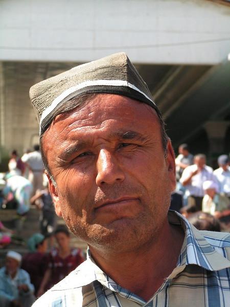 Para nosotros es Manolo, aunque es uzbeko y no tiene ni idea de donde está Andalucía, podría pasar por cordobés.