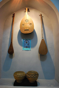 A display of Uzbeki musical instruments.
