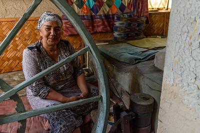 Spinning Silk || Yodgorlik Silk Factory