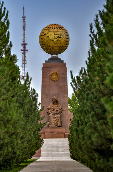 Independence Monument and the Blessed Mother - Tashkent, Uzbekistan