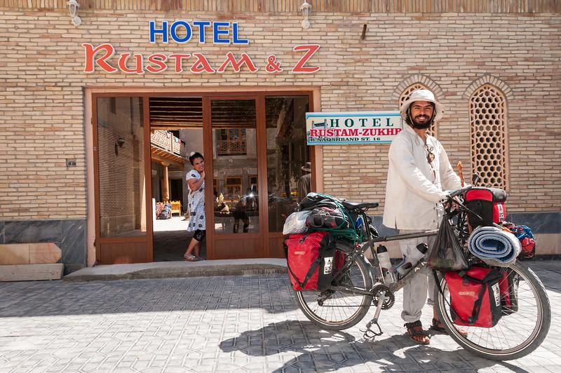 Francesco: Italian cyclist in Bukhara